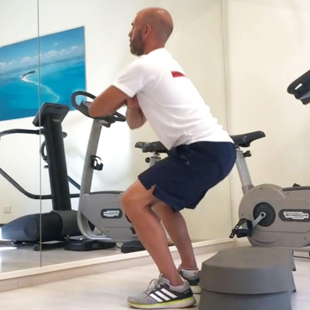 Tecniche per avere gambe e glutei supertonici anche da - Piccola palestra in casa ...